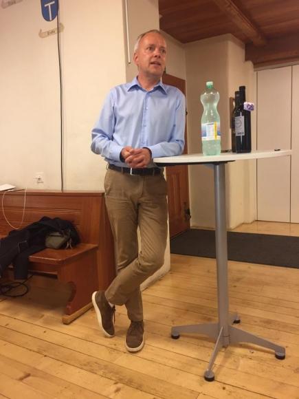 Past Präsident Francesco Walter referiert über die schwierige Organisation des Festivals während COVID-19