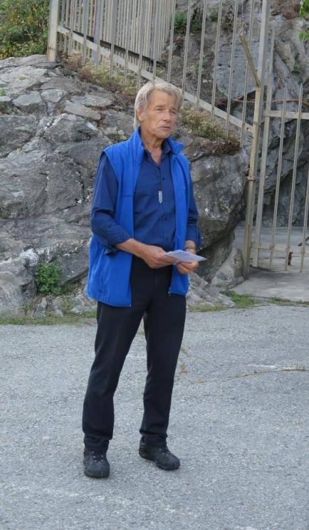 Begrüssung vor der alten Festung Naters durch Reinhard Eyer